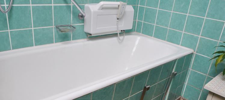 Beispiel montiert Badelift